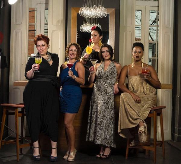 Da esquerda para a direita: Paula Damazio, Renata Araújo, Ludmila Soeiro, Isadora Bello Fornari e Clarisse Miranda (Foto: Divulgação)